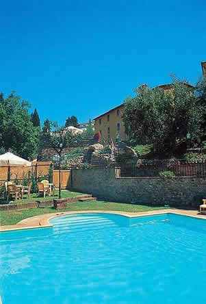 Il Borgo del Chianti, group of apartment on a farming estate with shared pool justa  few metres from small village