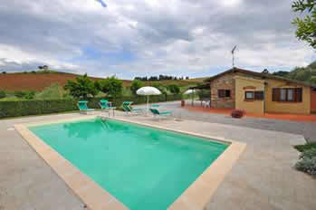 Cuccardino, 2 bedrm villa with private pool near Tuscan coast.