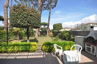 Lidia, apartment sleeps 7 in Lido di Camaiore, Tuscany