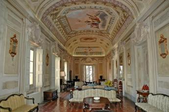 """Apartment """"Galleria"""" at Montegufoni Castle"""