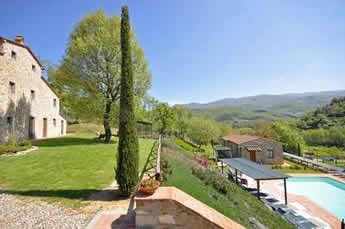 Villa Casentino, with private pool, sleeps 23, Tuscany. Find it in our holiday brochures.