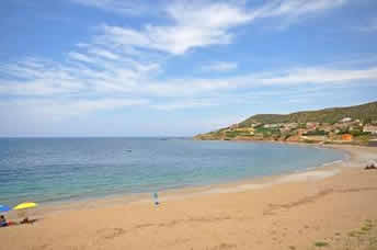 Tunnaria, 2 apartments just 50m from beach in Sardinia