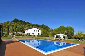 Villa Cinzia with private tennis court, sleep 8, private pool