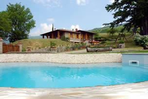 La Casa di Peter, villa sleeps 8 with private pool and table tennis