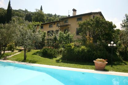 Villa degli Olivi, sleeps 15 with private pool and tennis court. Venue for family reunion