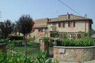 Pozzonovo apartments, near Castiglion Fiorentino, Tuscany. Shared table tennis, shared pool