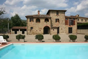 Il Pasqualino, villa sleeps 8 with private pool and table tennis