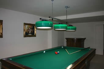 Billiards, private pool, sleep 10 -14: Verde Incanto, villa with private pool sleeps 14