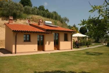 Casa Cervognano, 1 bedroom villa with private pool & outdoor jacuzzi
