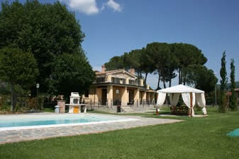 Villa Cappuccini, to sleep 14 with private pool, walk to town