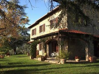 Casale Ai Cedri. Villa with private pool in walking distance of village