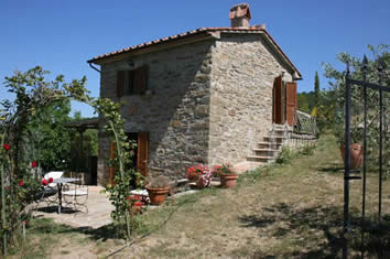 Villas for couples in Italy : la Casina del Bosco