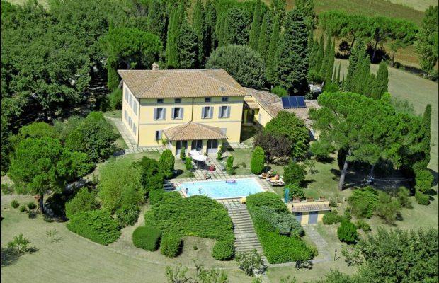 Celebrate your special birthday in Italy: Poggio Falcone