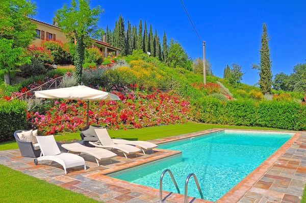 Villa sleeps 5 with private pool near San Gimignano