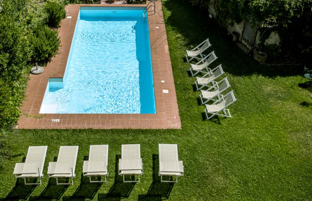 Private pool Borgo Cevoli sleeps up to 40