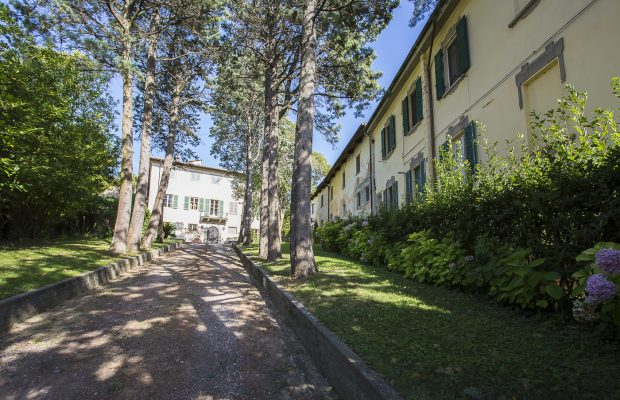 Borgo Cevoli sleeps up to 40 between Pisa and Florence