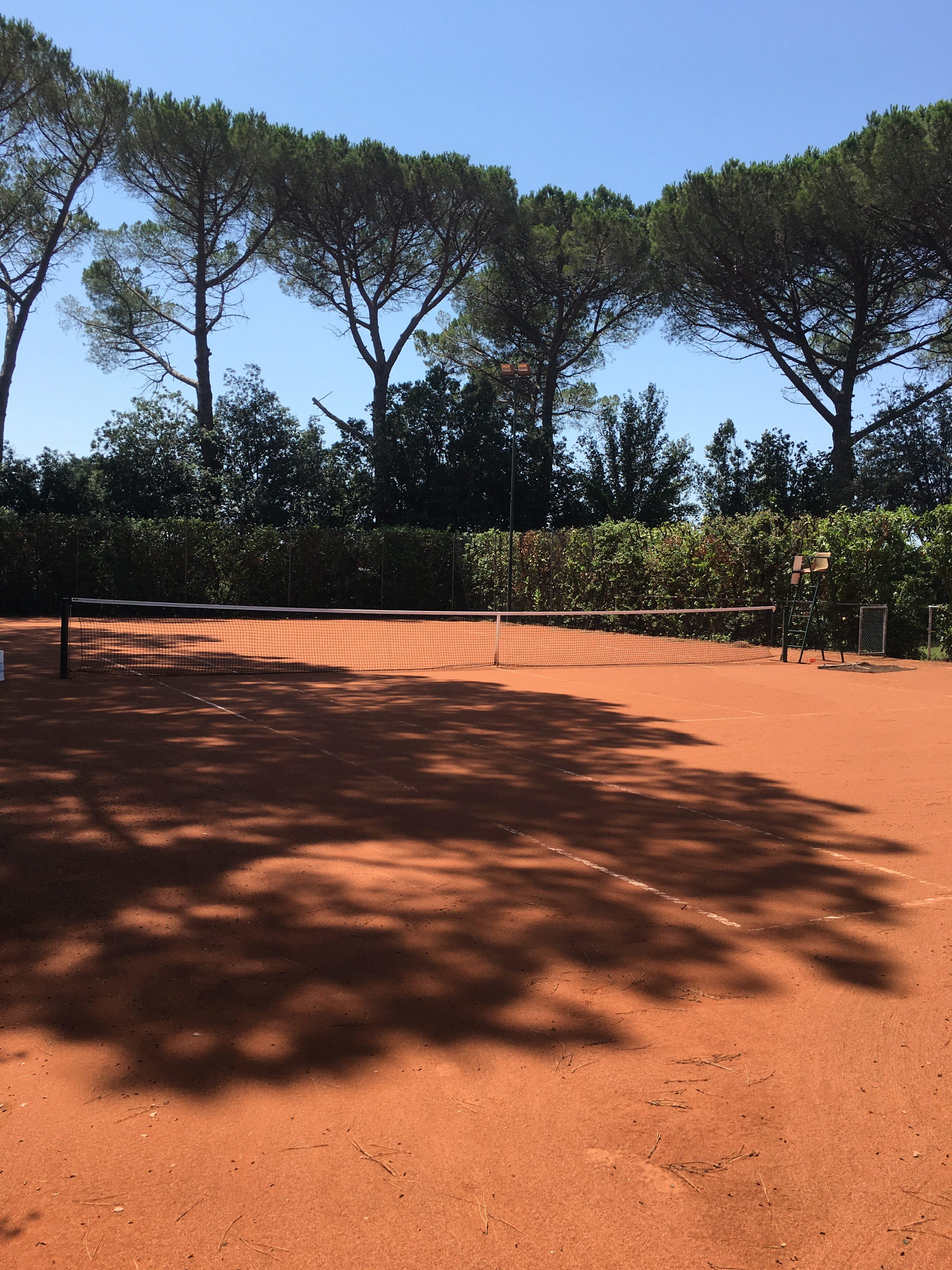Villa Ravano private tennis court