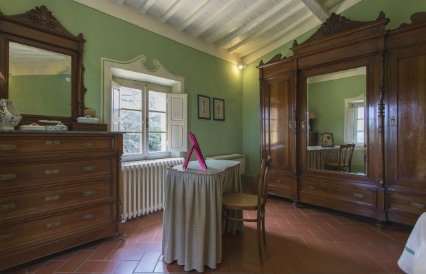 Villa La Cittadella : Double bedroom - details