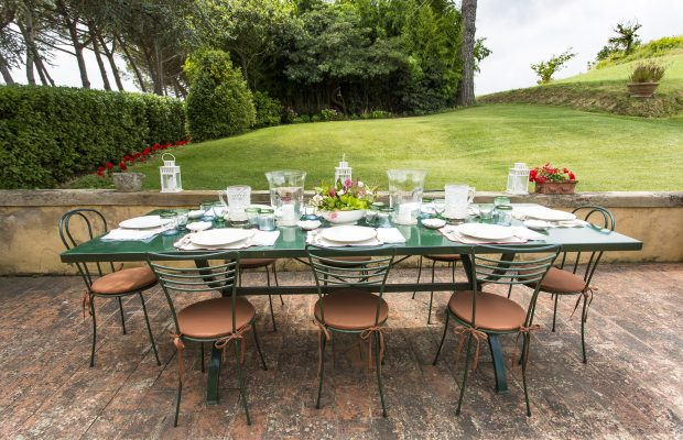 Villa La Cittadella: Outdoor Terrace - dining area