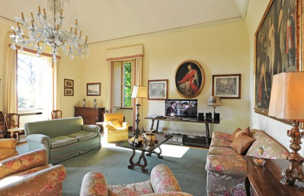 Villa Lungomonte: a corner of the large living room