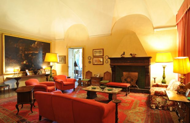 Villa Scerni: comfortable sitting room