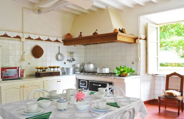 Villa Lungomonte: large well-equipped kitchen