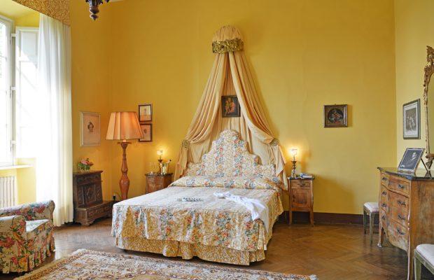 Villa Scerni: a beautiful spacious double bedroom