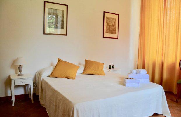 Villa Guardavalle: ground floor family bedroom (detail)