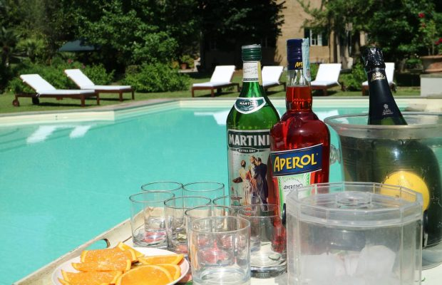 Aperitifs by the pool